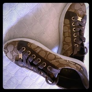 Coach shoes size 5